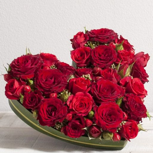 Composition de roses Cupidon rouge 1CPR Interflora